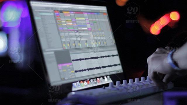 This image has an empty alt attribute; its file name is stock-photo-night-music-pillar-sound-club-moa-midi-ableton-moapillar-71bb3e38-e60b-4e6f-95d3-9bdb1954b1b0.jpg